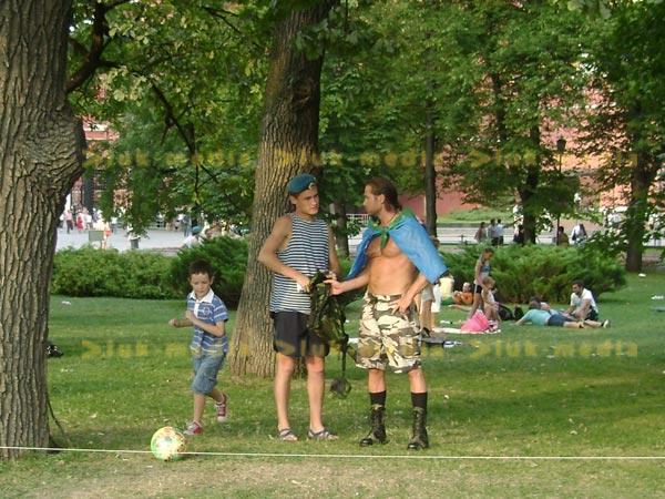 Небольшой фотоотчет со Дня ВДВ в Москве - 2 августа 2010 года